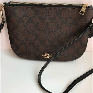 ab0b99179769 Coach Bags - SALE❤️Coach Double Crossbody Bag Black Brown